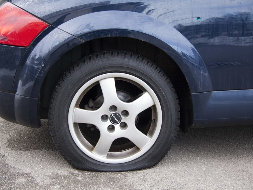 How to find a way to change a tire